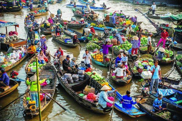 Thuyền bè là nhà đối với người dân chợ nổi Cái Răng Cần Thơ @internet